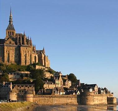 モン・サン=ミシェル モン・サン=ミシェル(Mont Saint-Michel)は、ヨーロッ..